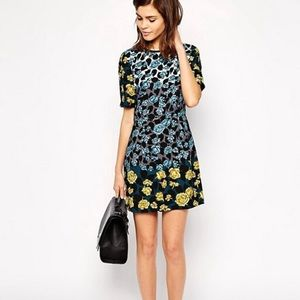 NWT Oasis Floral Shift Dress